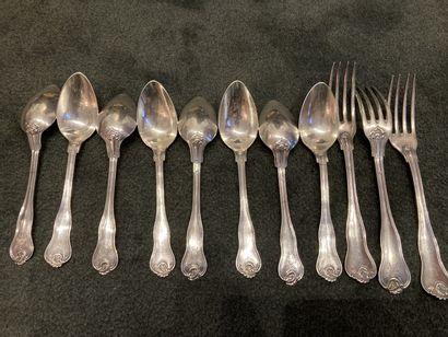 8 CUILLERES A ENTREMET en argent à spatules...
