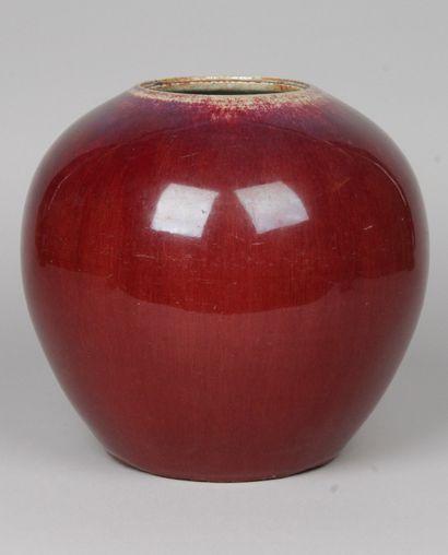 CHINE, XIXe siècle Vase globulaire en grès...