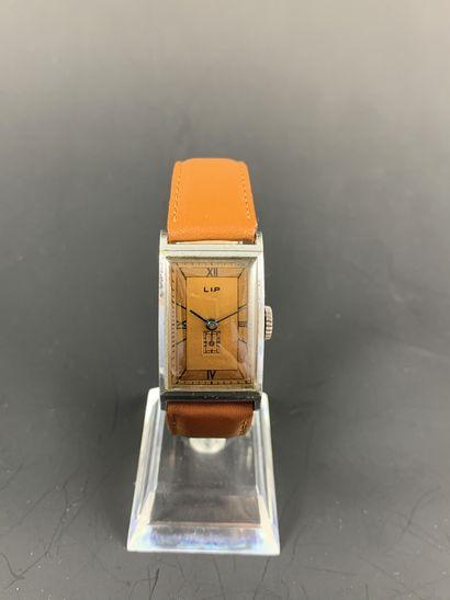 LIP T18 Vers 1950. Montre bracelet en acier...