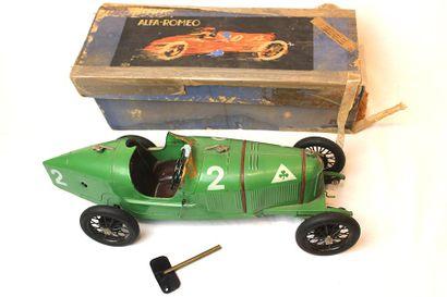 ALFA ROMEO P2 Jouet en tôle de la marque C.I.J (Compagnie industrielle du jouet)....
