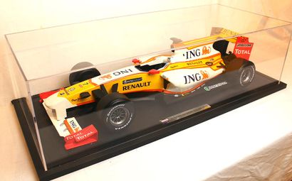 MAQUETTE ING-RENAULT F1 WORLD CHAMPIONSHIP 2009