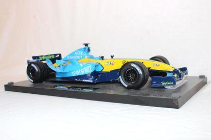 MAQUETTE RENAULT F1 WORLD CHAMPIONSHIP 2005 Maquette distribué par Renault F1 Team,...