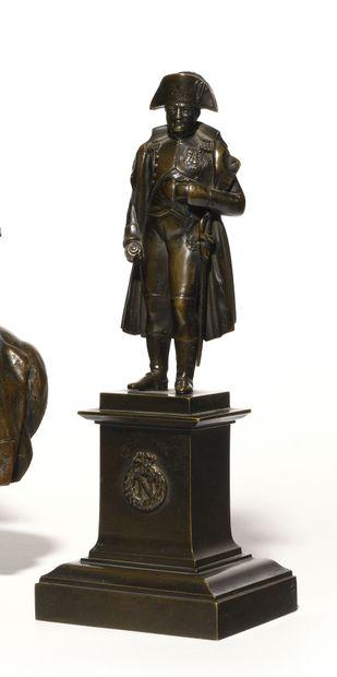 L'Empereur Napoléon Ier en pied. Statuette...
