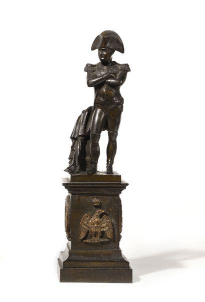 L'Empereur Napoléon Ier en pied Ht : 37 cm....
