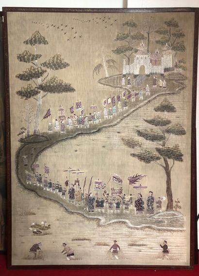 CHINE Grande tenture brodée à décor d'une...