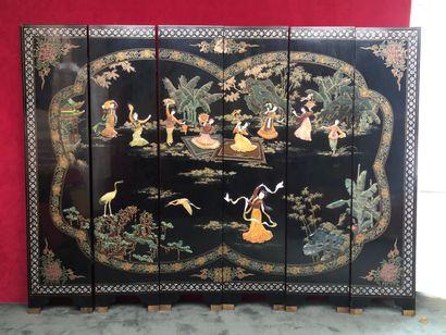 CHINE Paravent à six volets en bois laqué...