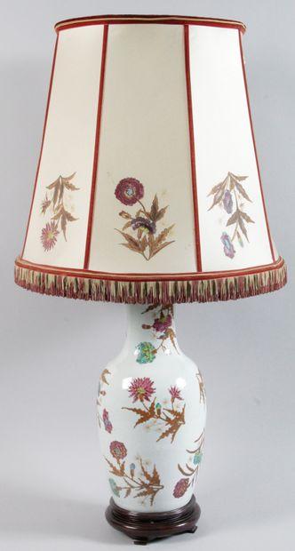 Grande Lampe en porcelaine du CHINE époque...