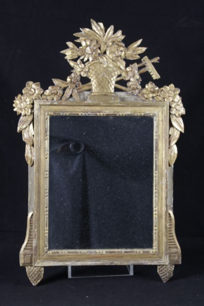 PETIT MIROIR DE STYLE LOUIS XVI, en bois...