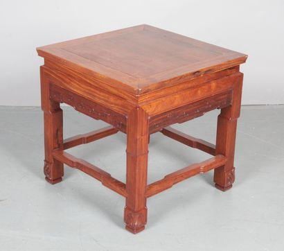 TABOURET CARRE en bois indigène mouluré et...