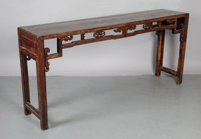 CHINE, grande console en bois naturel et...