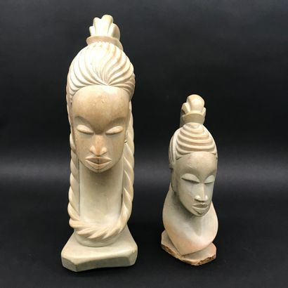 Lot de deux TETES en pierre sculptée  Afrique...