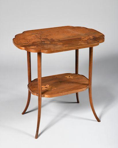 EMILE GALLE (1846-1904) Table à thé à deux...