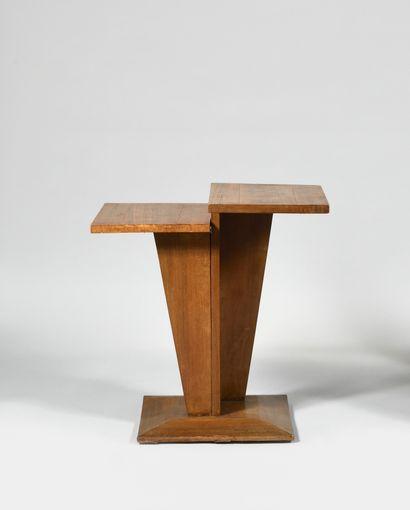 TRAVAIL MODERNISTE Table d'appoint en placage...
