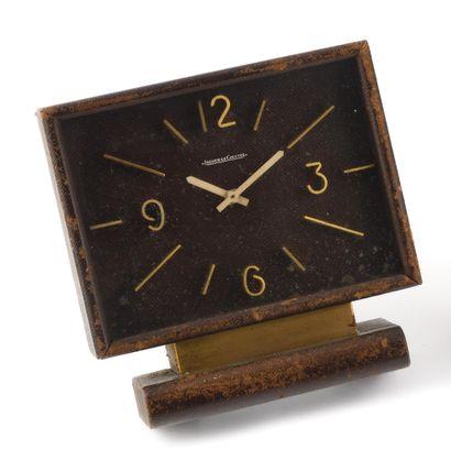 JAEGER-LECOULTRE Vers 1950. Pendulette reliée...