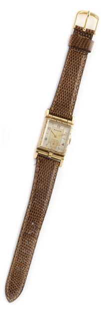 BULOVA About 1940. Ref : 3095854. 10K gold...
