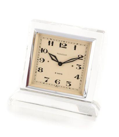 JAEGER-LECOULTRE Pendulette 8 jours Vers 1930. Réf: 027XXX. Pendulette de bureau...