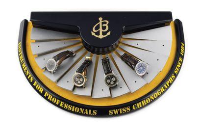 BREITLING Vers 2010. Présentoir Breitling...