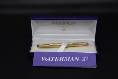 WATERMAN Stylo plume en plaqué or avec plume...