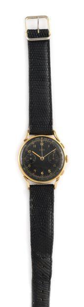 HUGEX Vers 1960. Chronographe en or rose...