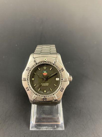 TAG HEUER Série 2000 Vers 1990. Montre bracelet...