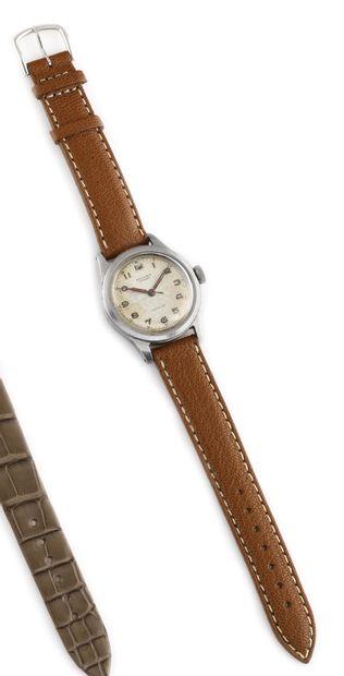 ENICAR Sport Vers 1940. Montre bracelet en...