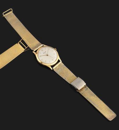 DERMONT Vers 1960. Montre en or jaune 18K,...