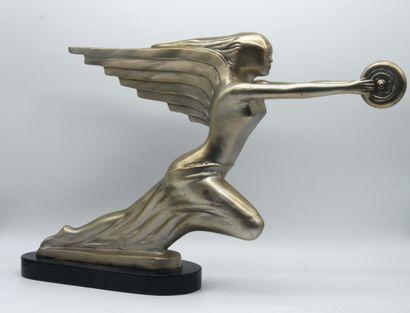 """AUTOMOBILE PACKARD Trophée représentant la mascotte """"déesse de l'Air"""" des Automobiles..."""