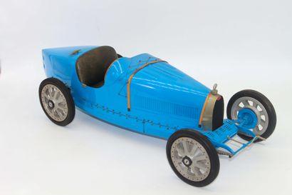 BUGATTI - J.P FONTENELLE Maquette au 1:8 ème, Bugatti type 35, couleur bleue. Signée...