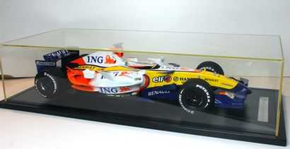 MAQUETTE ING- RENAULT F1 TEAM -CHAMPIONNAT DU MONDE F1 DE 2007 Grande maquette sous...