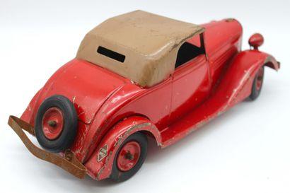JOUET C.I.J- RENAULT ET SA CARAVANE Jouet en tôle de la marque C.I.J, cabriolet Renault...