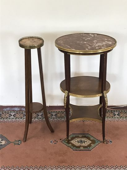 TABLE DE SALON  de style Transition à trois...