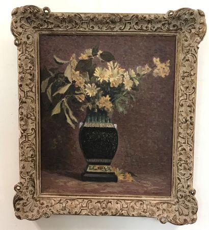 Max TOURET (1872-1963) Max TOURET (1872-1963)  Bouquet de fleur dans un vase  Huile...