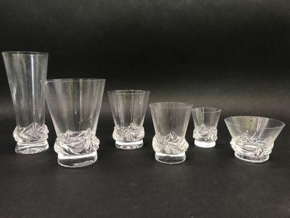 DAUM  Important service de verres en cristal,...