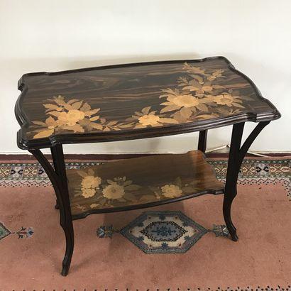 Emile GALLE (1846-1904)  Table à thé Art...