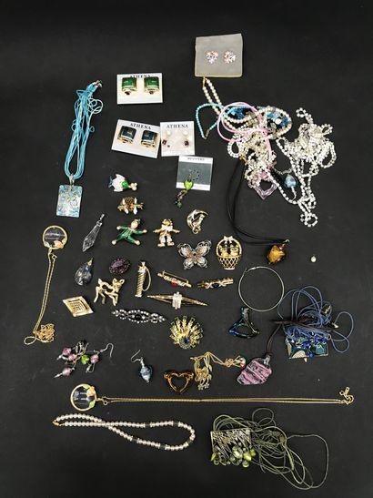 LOT de bijoux fantaisie  comprenant diverses...