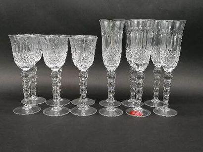 Carafe H.24 cm et six verres à vin H.19 cm...