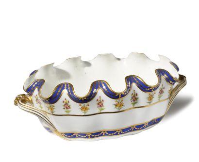 SEVRES Seau à verre crénelé ovale en porcelaine du service zone bleu livré à la...