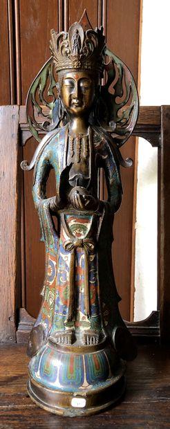 JAPON  Grande Guanyn en bronze...