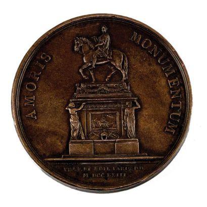 LE ROI LOUIS XV.  a-Médaille en bronze par...