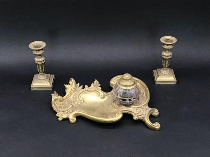 ENCRIER  en bronze doré et ciselé de style...