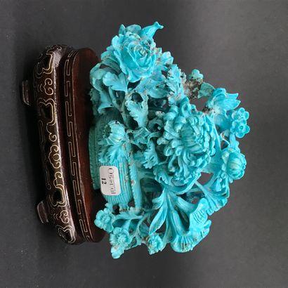CHINE  Panier de fleurs  Sujet en turquoise...