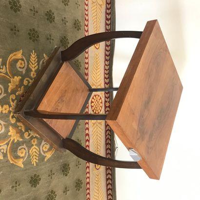 DESSERTE  de style Art Déco en bois de placage....