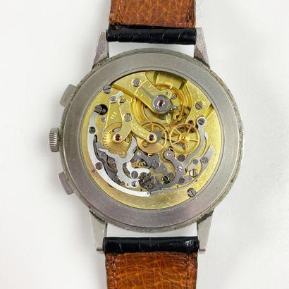 UNIVERSAL GENÈVE COMPAX EXTRA LARGE VERS 1940. Réf : 87880XX/22531. Incroyable montre-bracelet...