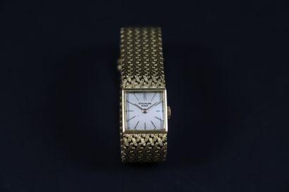 PATEK PHILIPPE VERS 1960. Montre bracelet...