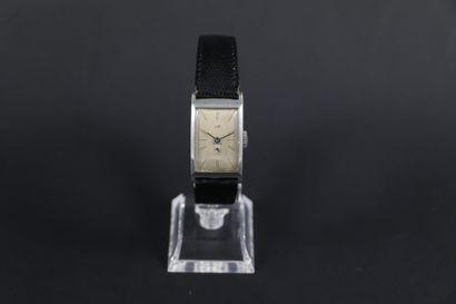 LIP T18 VERS 1950. Réf : 241XXX. Montre bracelet...