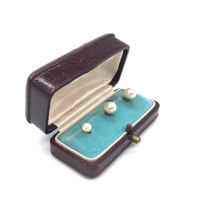 BOUTONS DE COL orné de perles blanches (non...