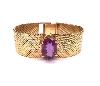 BRACELET retenant une pierre violette de...