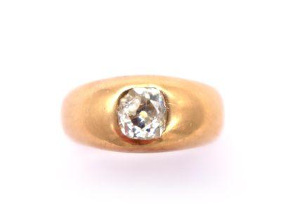 BAGUE en or rose 18K retenant un diamant...