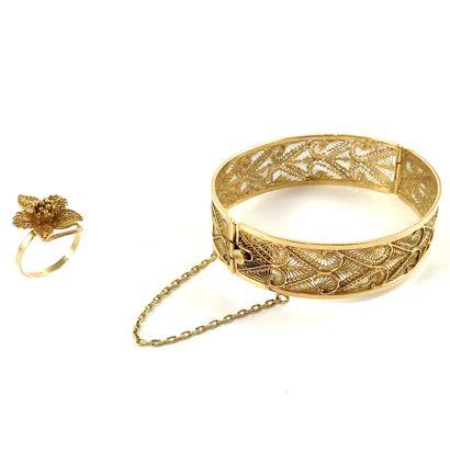 ENSEMBLE comprenant un bracelet et une bague...