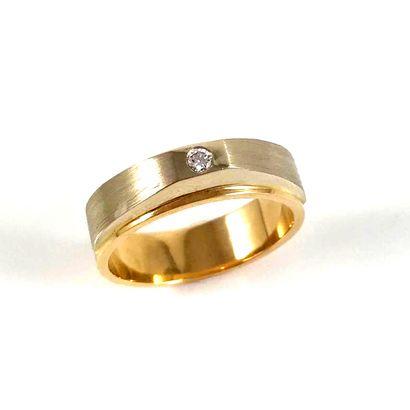 BAGUE ornée d'une diamant taille brillant...